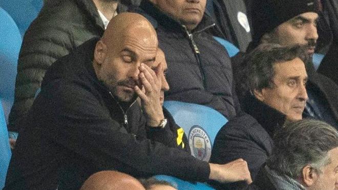 Man City bị loại: Đừng trách trọng tài, Guardiola!