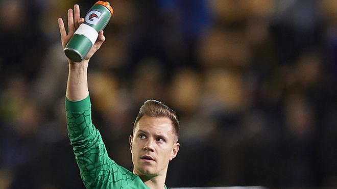 Kỉ lục của Barca nằm trên đôi tay của Stegen