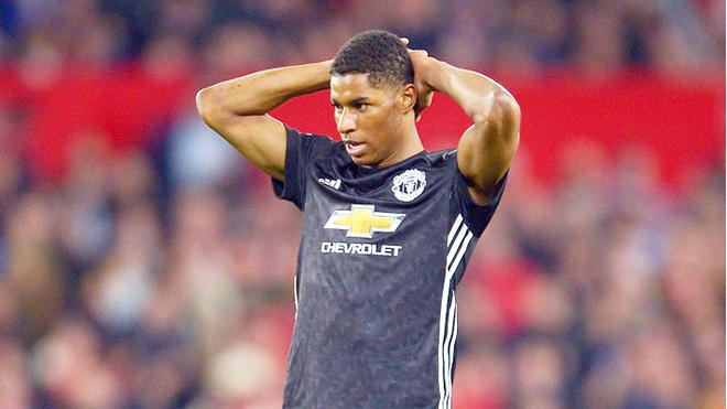 Điểm mặt 5 cầu thủ đang chịu bất công ở M.U