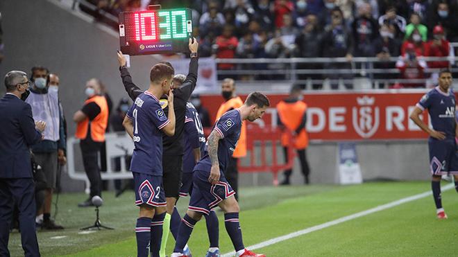 Cả Ligue 1 ngắm nhìn Messi