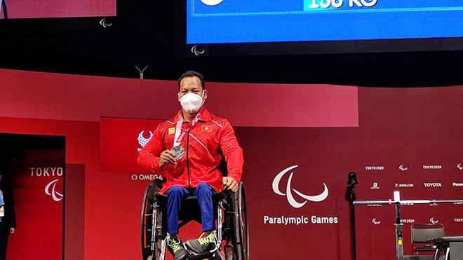 Ông Nguyễn Hồng Minh,Trưởng đoàn TTNKTVN: 'Thành công tại Paralympic nhờ nỗ lực và ý chí của các VĐV'