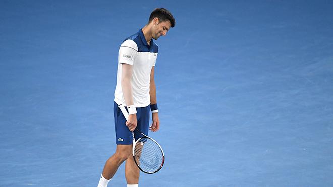 Djokovic chưa thể nào hồi sinh như Federer