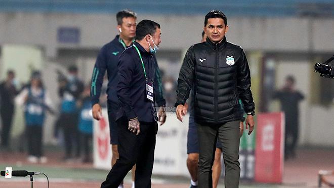HLV Kiatisuk khó tái hợp đội tuyển Thái Lan