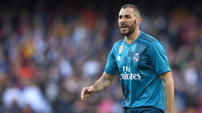 Đến Benzema cũng muốn chống lại Zidane