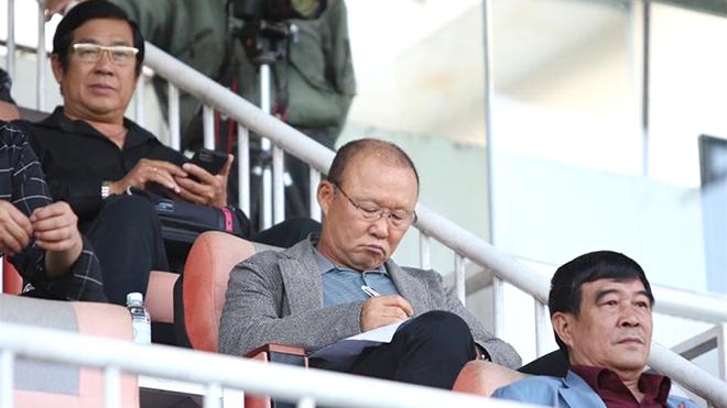 Chờ HLV Park Hang Seo trổ tài