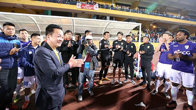 Đua vô địch V-League 2017: 'Quyền' trong tay bầu Hiển