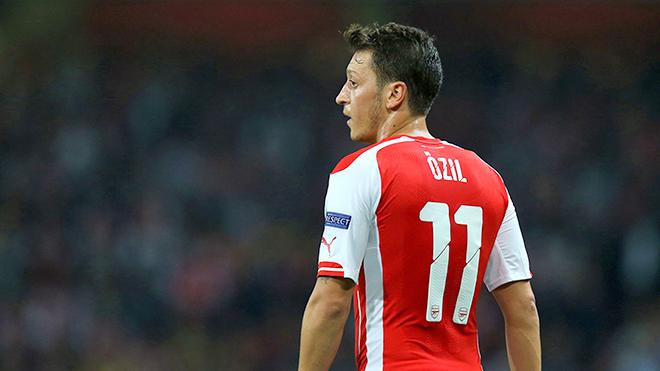 Hãy để Oezil lại cho quá khứ, Barca không cần anh