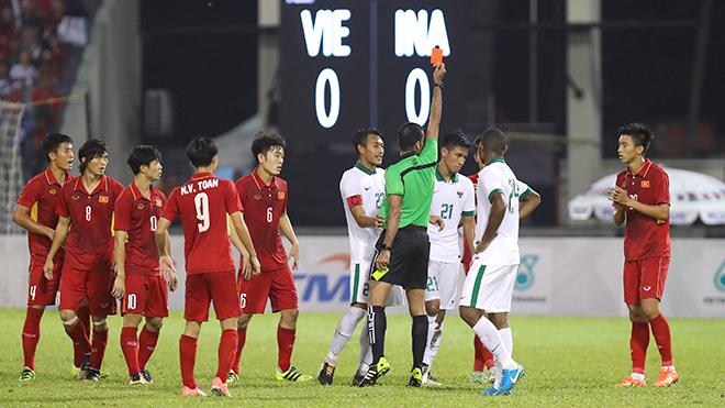 U22 Việt Nam - U22 Thái Lan: Đừng dằn vặt nữa, Tuấn Tài và đồng đội phải đứng lên và chiến đấu