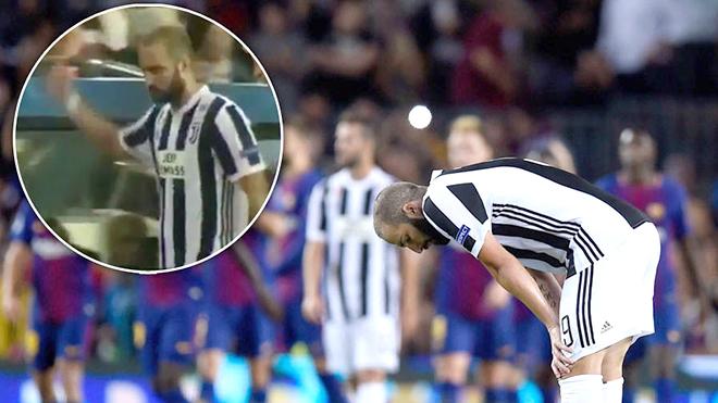 Vì sao Juventus thảm bại trước Barca?