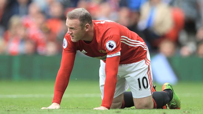 Vì sao Rooney vẫn mắc kẹt ở Man United?