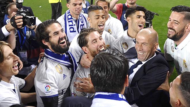 Zidane muốn ở lại Real bao lâu tùy thích trong hợp đồng mới với Real