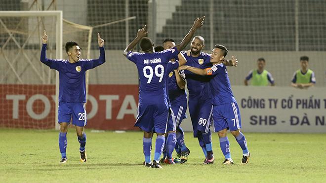 SHB Đà Nẵng 0-2 Quảng Nam: 'Cuộc chơi của... trọng tài'