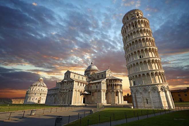 Kết quả hình ảnh cho Tháp nghiêng Pisa