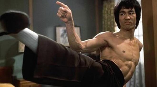 45 năm ngày mất Lý Tiểu Long - Tranh cãi về 'điềm xấu' báo hiệu cái chết của huyền thoại võ thuật