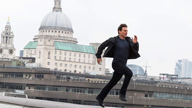 Công chiếu 'Nhiệm vụ bất khả thi: Sụp đổ' ở Việt Nam: Tại sao Tom Cruise lại liều lĩnh tự thực hiện các pha mạo hiểm