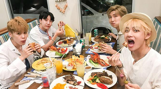 Khoảnh khắc thảnh thơi của những chàng trai BTS trong kỳ nghỉ Hè lãng mạn