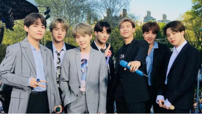 Trông các thành viên BTS thật 'manly' trong những bộ đồ đời thường đơn giản
