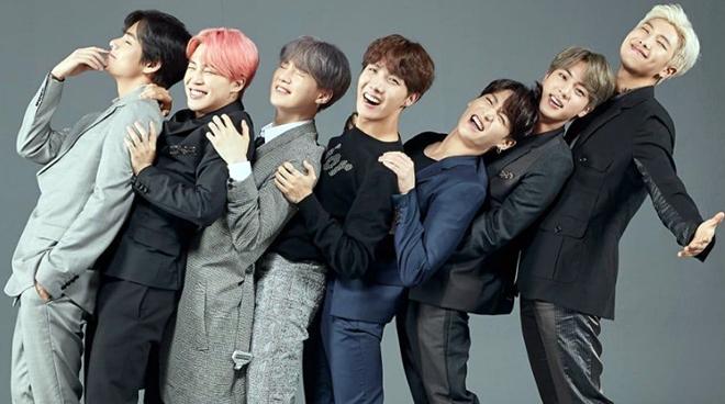 BTS là 'đội hình trong mơ' với bộ ảnh chân dung gia đình mới dành cho Festa 2019