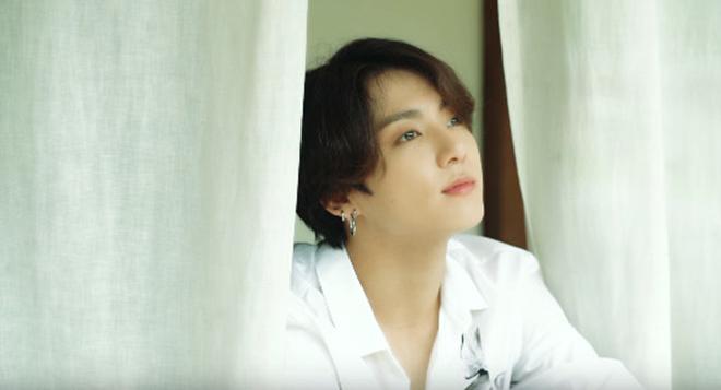 Jungkook, BTS, Jungkook BTS tung ảnh tự sướng, Ảnh Jungkook tuổi 21,