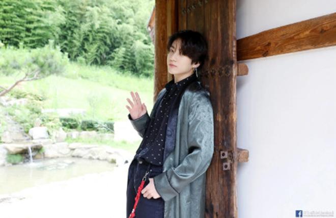 Jungkook, BTS, Jungkook có hình xăm, Jungkook có bằng lái xe, Jungkook tuổi teen