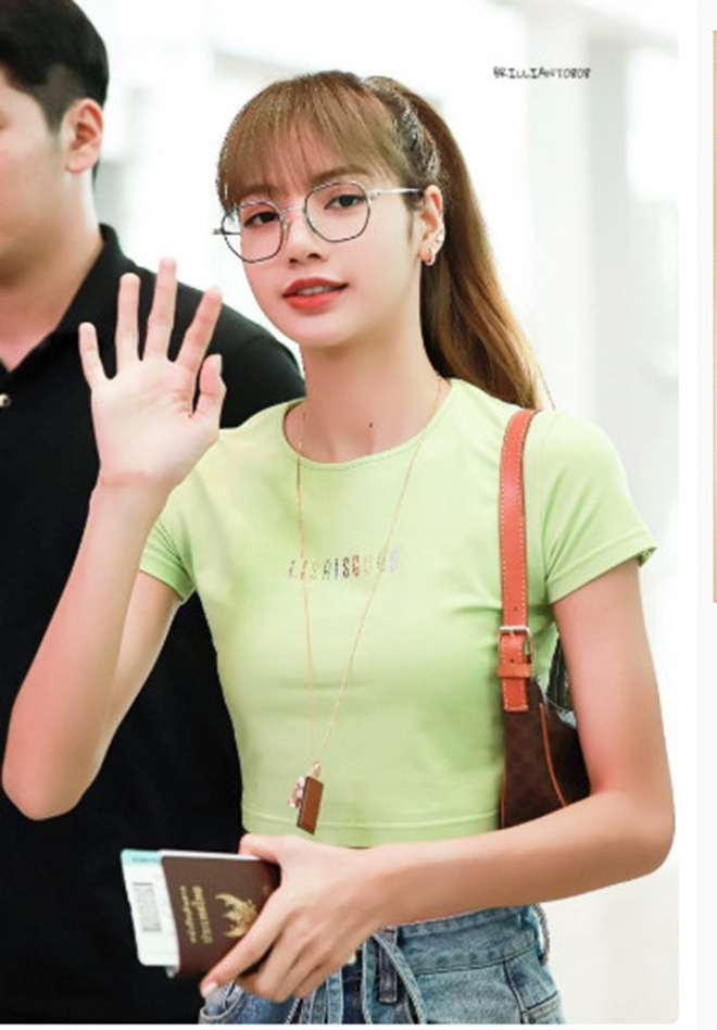 Lisa, Blackpink, Lisa Blackpink, Lisa eo con kiến, Lisa áo crop top, Incheon, Lisa Thái Lan