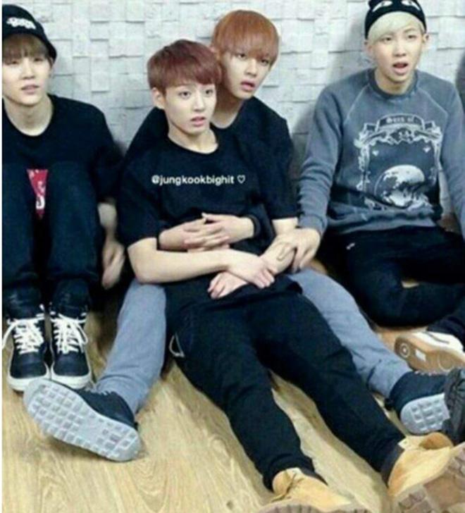 BTS, Bts, bts, Jungkook, V BTS, V BTS Jungkook thân nhau