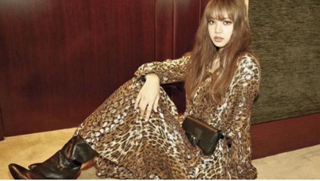 Lisa Blackpink đẹp 'hút hồn' trên tạp chí 'Vogue Korea'