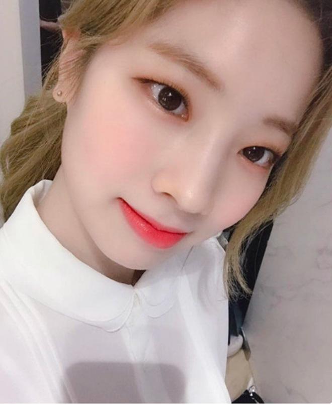 Twice, Twice mắt đẹp, Nayeon, Momo, Sana, Mina, Dahyun, Chaeyoung, Tzuyu, ONCE