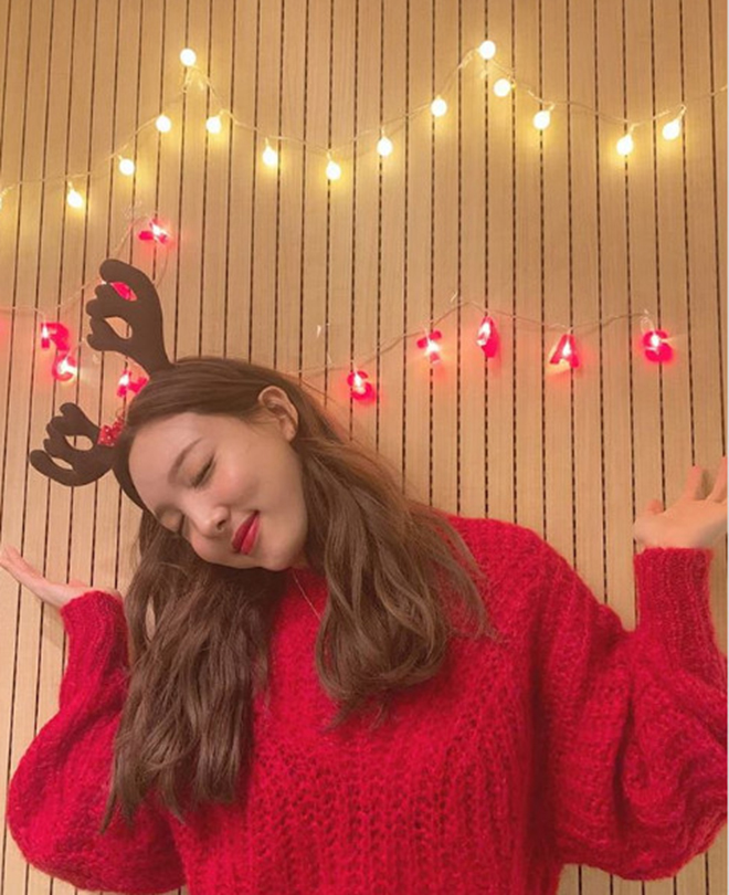 Twice, Nayeon, Santa Tell Me, Ariana Grande, Giáng sinh, TWICE