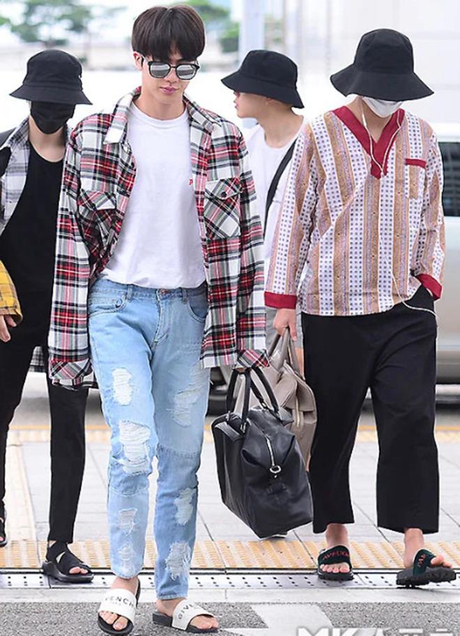 BTS, Bts, BTS đi dép lê, Gucci, Chanel, Fila, Jungkook, Suga, Jin, V BTS, bts