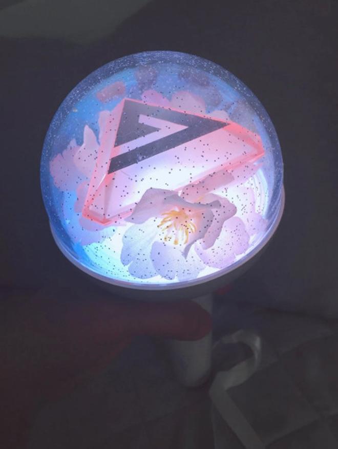 K-pop, IU, EXO, MOMOLAND, SEVENTEEN, MAMAMOO, Stray Kids, Gậy ánh sáng, Light Stick