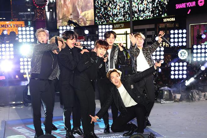 BTS,Bts, BTS tái xuất, Map Of The Soul 7, BTS talk-show trực tiếp, Black Swan, bts