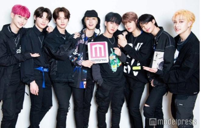 K pop social6a - BTS, Twice, Blackpink... nhóm nhạc thần tượng nào có lượng fan 'khủng' nhất trên MXH?