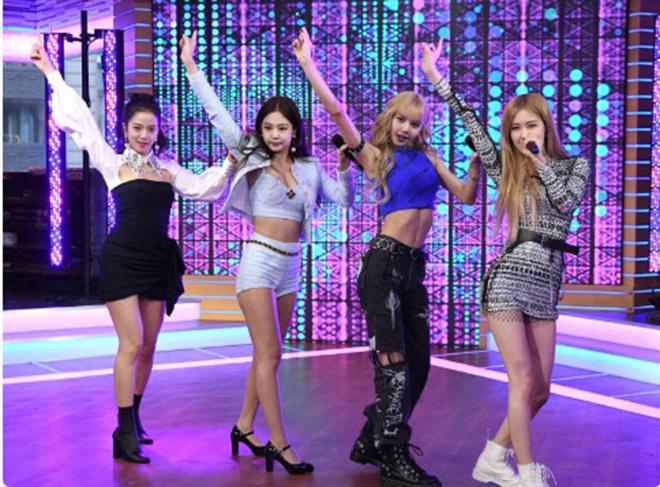 Blackpink, Jennie, Rose, Jennie được fan nữ cầu hôn, BLINK