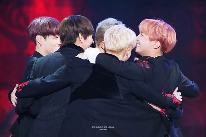 BTS, ARMY, J-Hope, BTS muốn ôm ARMY, Jungkook, V BTS, Suga,  BT21 UNIVERSE 3