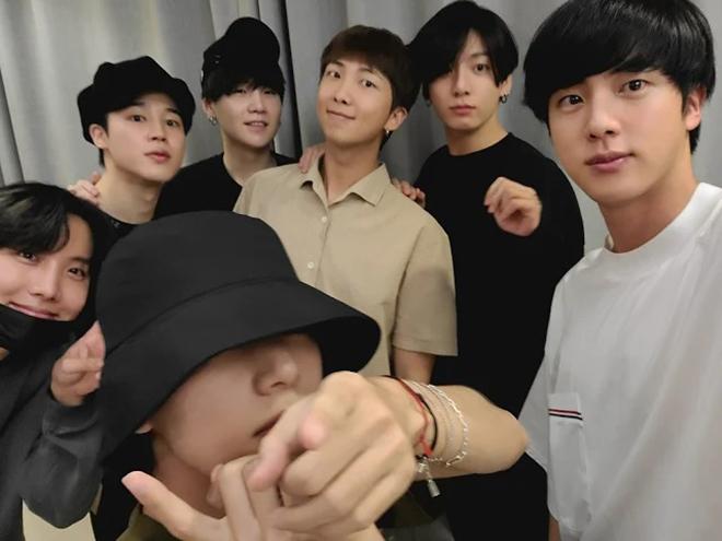 BTS, BTS làm gì thời gian rảnh, COVID-19, Jungkook, stay-cation, Suga, Jimin, RM
