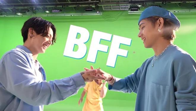 BTS: V và Jungkook bắt tay phức tạp đến khó tả