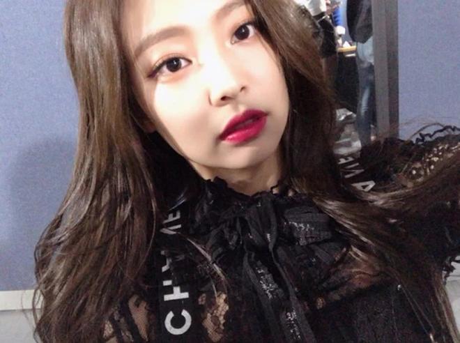 Blackpink, Twice, Jennie, Jisoo, Nayeon, Jeongyeon, Chanel, Dior, Shiseido