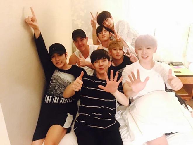 BTS, Twice, K-pop, Big Bang, MONSTA X, BTOB, BEAST, 4MINUTE, MONSTA X