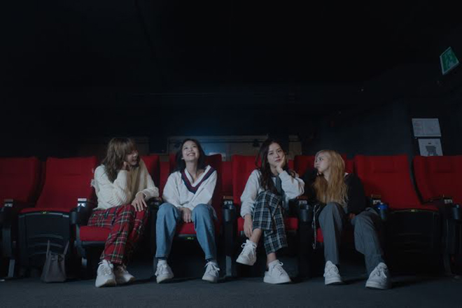 Blackpink, BLACKPINK Light Up The Sky, JBlackpink ở tuổi 40, Rosé, Jennie, Jisoo, Lisa