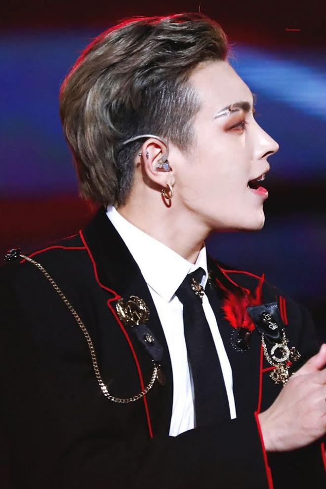 K-pop, Kpop, Nam thần K-pop có vẻ đẹp như ma cà rồng, Vampire, V BTS, TXT, EXO