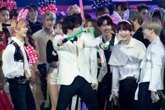 BTS, Jungkook, BTS vũ công phụ họa, Gayo Daechukje, Jin, Kim Yeon Ja, Amor Fati