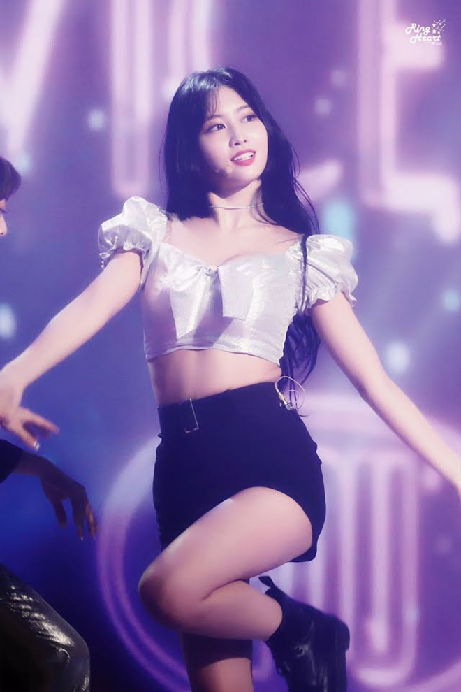 Twice, Momo Twice, 6 sự thật về Momo Twice, JYP,  Feel Special, Fancy You, Hot