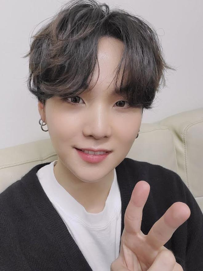 BTS, Suga mổ vai, Jimin cập nhật sức khỏe của Suga, Jimin phát sóng trực tiếp