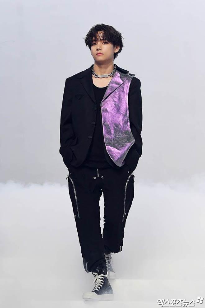 BTS, V BTS, Kim Taehyung, Sự khác biệt giữa Kim Taehyung và V, Break The Silence