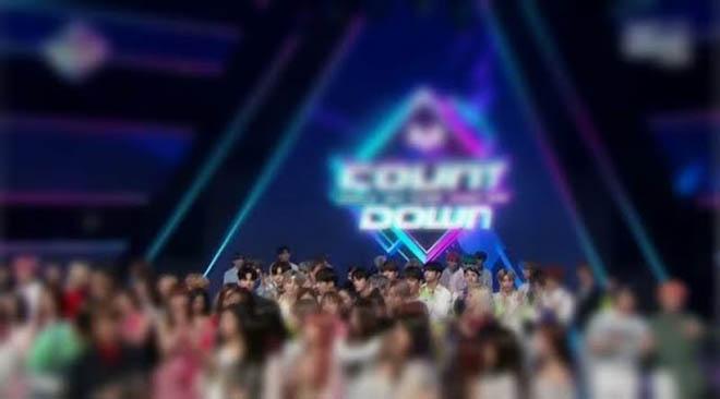 BTS, Thời khắc BTS chiều chuộng đàn em, TXT, V BTS, Jin, J-Hope, Jungkook, Jimin
