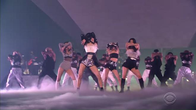 Blackpink, Giá trang phục của Blackpink, Lisa, Jisoo, Jennie, Rosé