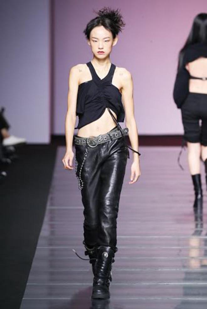 Twice, Chaeyoung, Chaeyoung mặc đẹp hơn người mẫu, Chaeyoung siêu mẫu