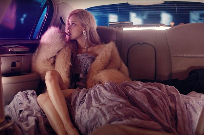 Blackpink, Rosé, Rosé Blackpink tung MV solo đầu tiên, On The Ground, Rosé Gone