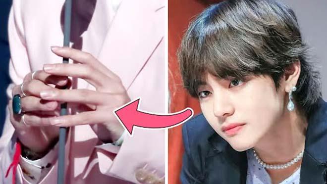 Nhiều lần V BTS thể hiện đôi tay đẹp chẳng kém gì 'visual' đỉnh của mình
